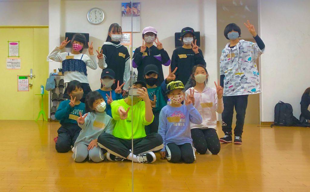 小学生向けのキッズK-POPダンススクールなら!